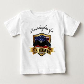 米国の誇り高い娘。 退役軍人 ベビーTシャツ