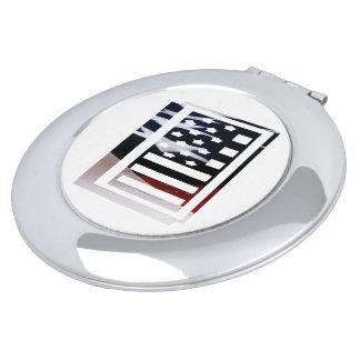 米国はアメリカ人の最初のモノグラムIに印を付けます
