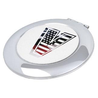 米国はアメリカ人の最初のモノグラムVに印を付けます
