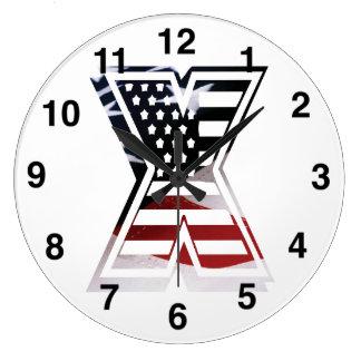 米国はアメリカ人の最初のモノグラムXに印を付けます ラージ壁時計