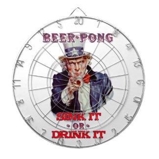米国市民ビールPong流しそれはまたはそれをダート盤飲みます ダーツボード