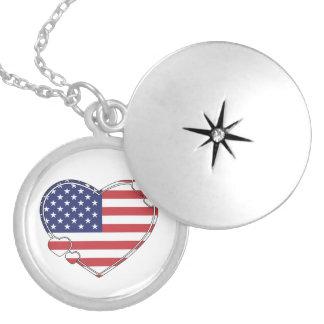米国旗のハート ロケットネックレス