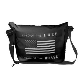 米国旗のユニセックスなメッセンジャーバッグ|の白黒 メッセンジャーバッグ