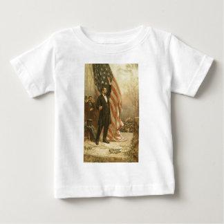 米国旗の下のエイブラハム・リンカーン大統領 ベビーTシャツ