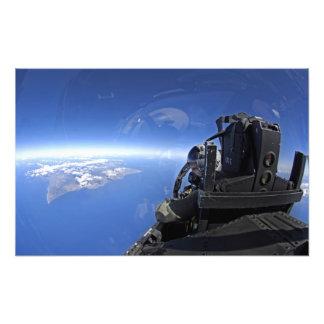 米国空軍大尉は空に見ます フォトプリント