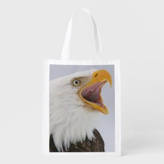 米国、アラスカ、ホーマー。 叫んでいる白頭鷲。 信用 エコバッグ