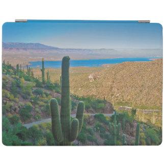 米国、アリゾナ。 入口からのTontoへの眺め iPadスマートカバー