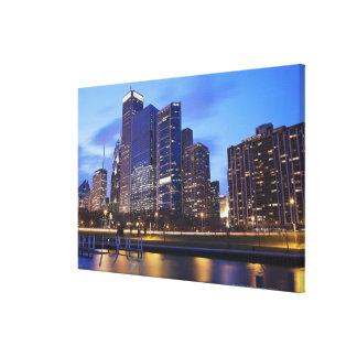 米国、イリノイ、シカゴのランドルフ市のスカイライン キャンバスプリント
