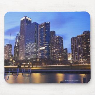 米国、イリノイ、シカゴのランドルフ市のスカイライン マウスパッド