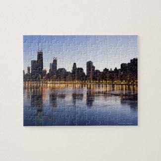 米国、イリノイ、シカゴの湖6上の都市スカイライン ジグソーパズル