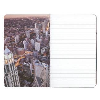 米国、イリノイ、シカゴ、湖の空中写真 ポケットジャーナル