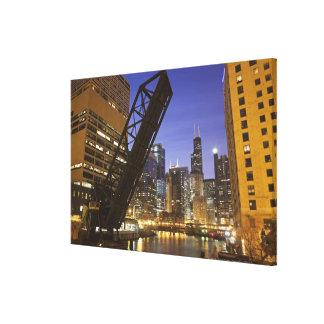 米国、イリノイ、シカゴ、Chicago川 キャンバスプリント