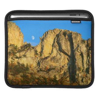 米国、ウェストヴァージニアの小ぎれいなノブセネカ人の石2 iPadスリーブ