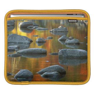 米国、ウェストヴァージニアの小ぎれいなノブセネカ人の石3 iPadスリーブ