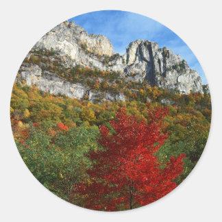 米国、ウェストヴァージニアの小ぎれいなノブセネカ人の石 ラウンドシール