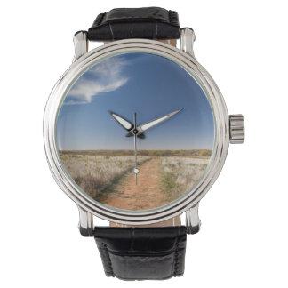 米国、オクラホマの黒いやかんの国民の牧草地 腕時計