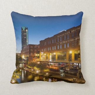 米国、オクラホマ、オクラホマシティー、Bricktown クッション