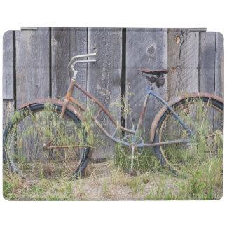 米国、オレゴンのくねり。 荒廃させた古いバイク iPadスマートカバー