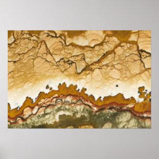 米国、オレゴンの岩が多いビュート。 写真のクローズアップ ポスター