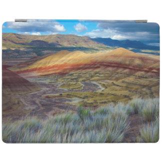 米国、オレゴン。 色彩の鮮やかな丘の景色 iPadスマートカバー