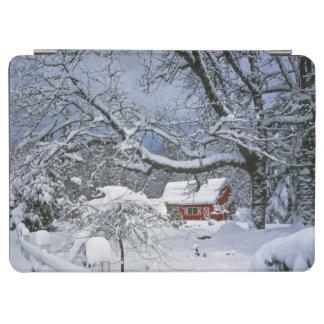 米国、オレゴン、Clackamas郡。 新しい雪 iPad Air カバー
