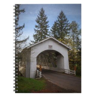 米国、オレゴン、Scioのハナ橋2 ノートブック