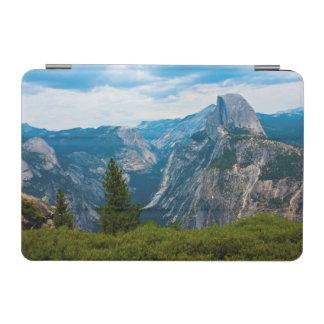 米国、カリフォルニアのヨセミテ国立公園1 iPad MINIカバー