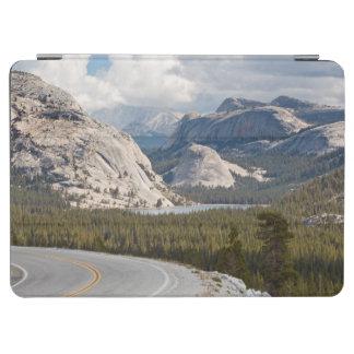 米国、カリフォルニアのヨセミテ国立公園 iPad AIR カバー