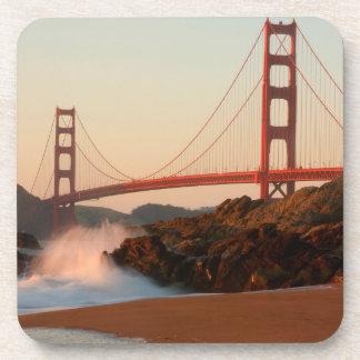 米国、カリフォルニア。 ゴールデンゲートブリッジの眺め コースター