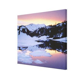 米国、カリフォルニア、シエラネバダ山脈山。 キャンバスプリント