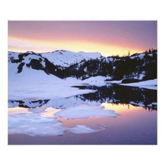 米国、カリフォルニア、シエラネバダ山脈山。 フォトプリント