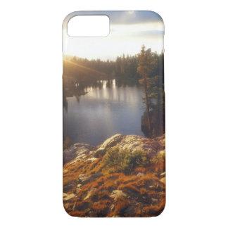米国、カリフォルニア、シエラネバダ山脈山。 日没 iPhone 8/7ケース