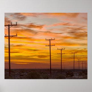 米国、カリフォルニア、パーム・スプリングスの2時の電力線 ポスター