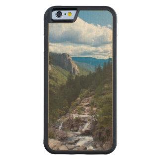 米国、カリフォルニア。 ヨセミテの谷ヴィスタ CarvedメープルiPhone 6バンパーケース