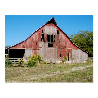 米国、カンザスの古く赤い納屋 ポストカード