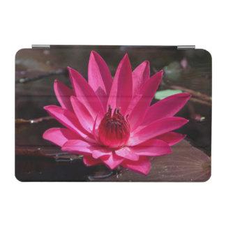 米国、カンザスの明るく赤い水Lilly iPad Miniカバー
