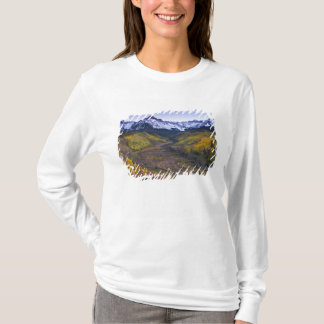 米国、コロラド州のロッキー山脈、サンファン Tシャツ