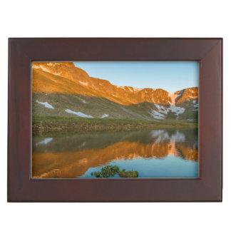 米国、コロラド州、Mt.エバンズ。 summit湖の反射 ジュエリーボックス