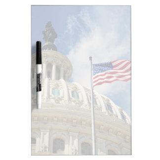 米国、コロンビア、Washington D.C.の国会議事堂の建物 ホワイトボード