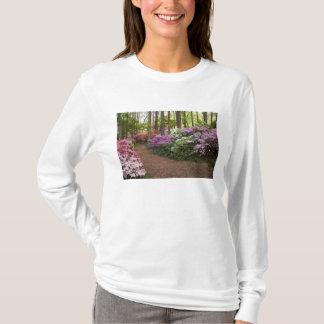 米国、ジョージアのマツ山。 細道 Tシャツ