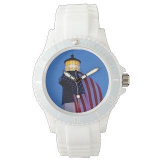 米国、ジョージアのTybeeの島、2つを飛ばす旗 腕時計