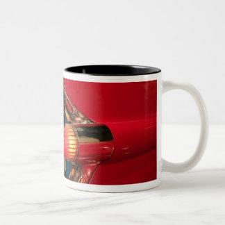 米国、テネシー州、メンフィス、エルヴィス・プレスリー ツートーンマグカップ