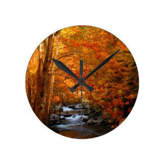 米国、テネシー州。 急ぐ山の入り江2 ラウンド壁時計