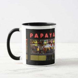 米国、ニューヨーク。 灰色のパパイヤ: 窓 マグカップ