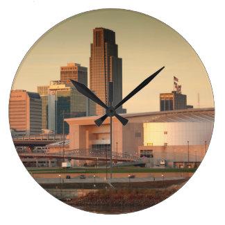 米国、ネブラスカ、オマハのスカイライン ラージ壁時計