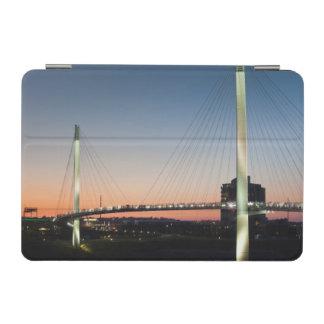 米国、ネブラスカ、オマハのボブKerreyの歩行者 iPad Miniカバー