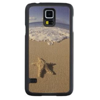 米国、ハワイ、マウイのMakenaのビーチ、ヒトデ CarvedメープルGalaxy S5スリムケース