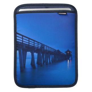 米国、フロリダの湾海岸、ナポリ、ナポリ桟橋 iPadスリーブ