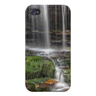 米国、ペンシルバニア、Benton。 敏感な滝 iPhone 4 ケース
