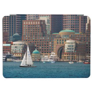 米国、マサチューセッツ。 ボストン水辺地帯のスカイライン2 iPad AIR カバー